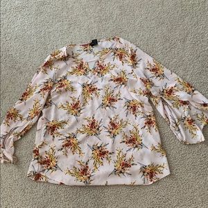 Xl floral blouse bell sleeves